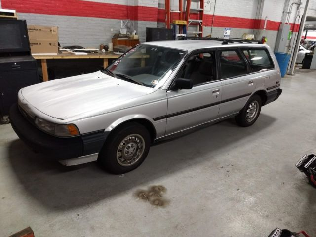 1988 Toyota Camry 4cyl wagon for sale: photos, technical