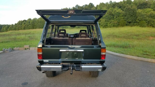1988 Forest green Toyota Land Cruiser SUV with Grey / black interior