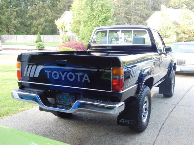 1988 toyota pickup sr5 5 spd 4x4 87k original miles rust. Black Bedroom Furniture Sets. Home Design Ideas