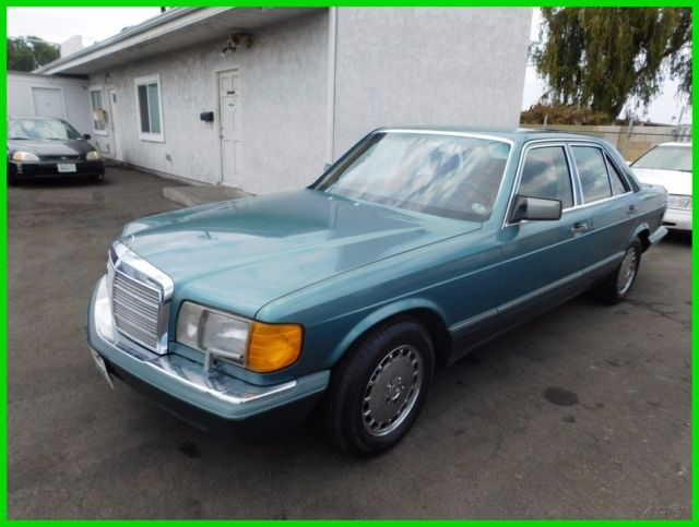 1989 Mercedes-Benz 300-Series 4 Dr