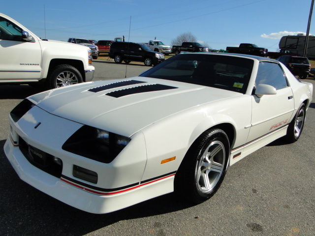 1989 CHEVROLET CAMARO, IROC Z, CLEAR TITLE NO DAMAGE, ONE ...