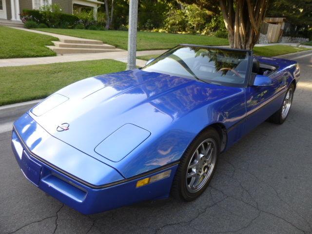1989 Chevrolet Corvette Base 2dr Std Convertible Manual Transmission