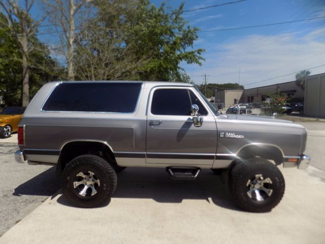 1989 Dodge Ramcharger Le 150