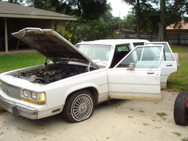 1989 Ford Crown Victoria LTD