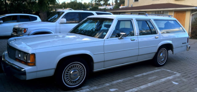 1989 Ford Crown Victoria Station Wagon