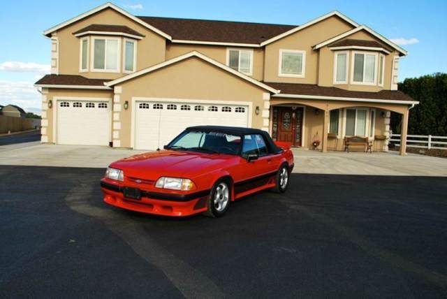 1989 Ford Mustang Saleen