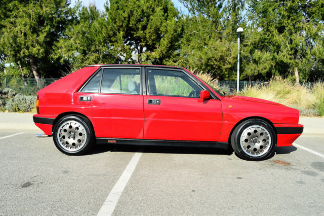 1989 lancia delta integrale hf 8v red martini for sale photos technical specifications. Black Bedroom Furniture Sets. Home Design Ideas