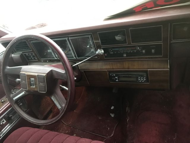 1989 lincoln town car base sedan 4 door good shape for sale photos technical. Black Bedroom Furniture Sets. Home Design Ideas