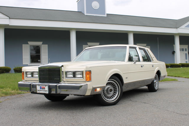 1989 Lincoln Town Car Signature Series 49k Miles 1 Owner Mint No