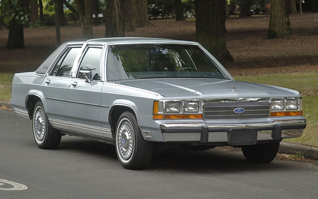 1989 Ford Crown Victoria LTD LX