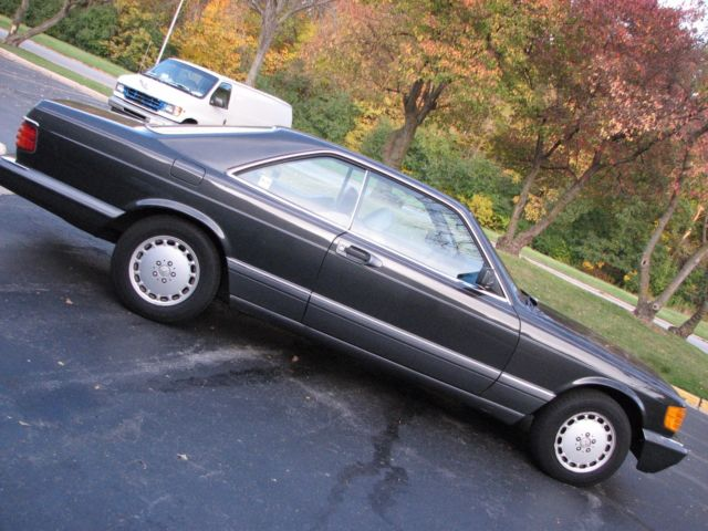 1989 Mercedes-Benz 500-Series 560 SEC/ 2 DOOR COUPE