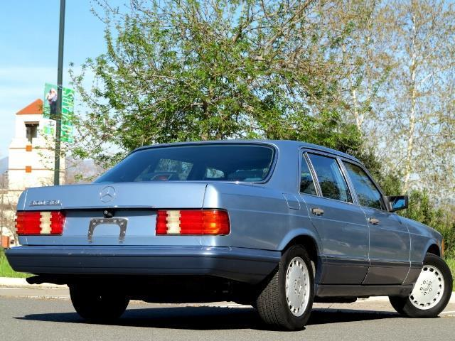 1989 Blue Mercedes-Benz S-Class 560SEL Sedan with Blue interior