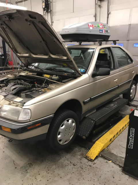1989 Gold Peugeot 405/406 Sedan with Gray interior