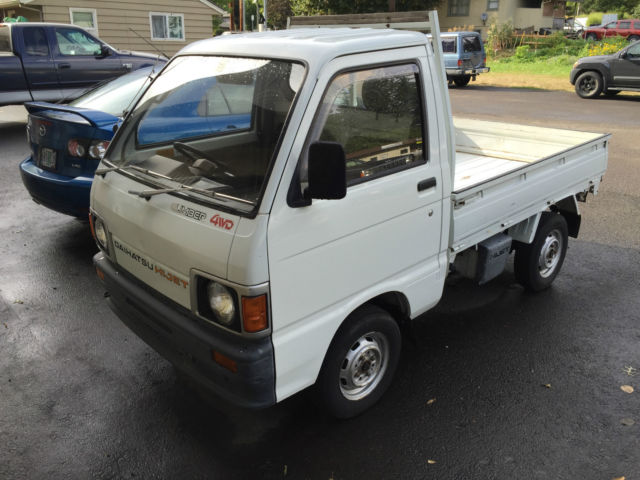 1989 Daihatsu Hi Jet with dump bed