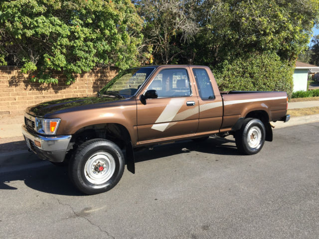 1989 Toyota Pickup, Tacoma, 4x4, 4WD,Auto, Extended cab, 95K