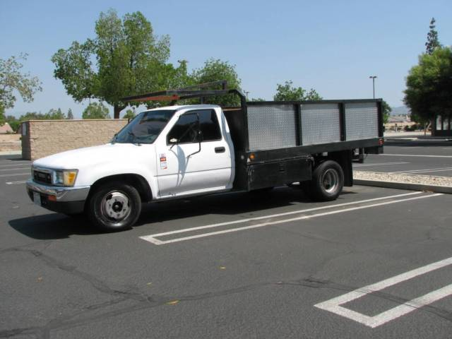 1989 V6 Dually Toyota Truck 1 Ton 10ft Stake Bed Flat Bed For Sale