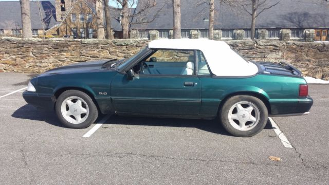 1991 Ford Mustang convertible