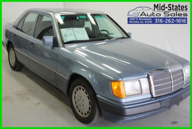 1990 Mercedes-Benz 300-Series 4 Dr