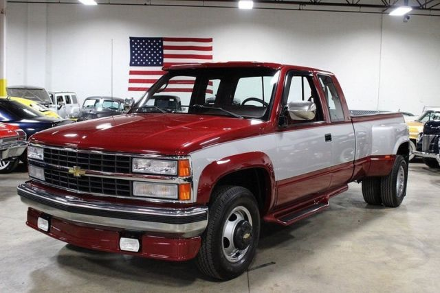 1990 Red Chevrolet Other Pickups Silverado 3500 Dually Pickup Truck with Red interior