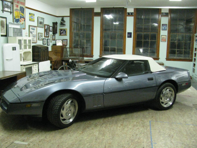 1990 Chevrolet Corvette Roadster,  rag top
