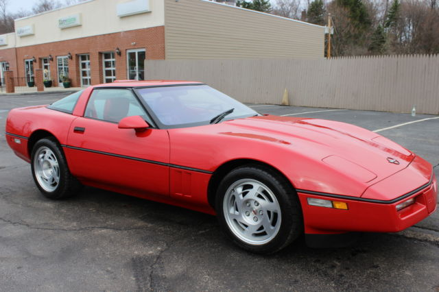 1990 Chevrolet Corvette 2dr Coupe Ha