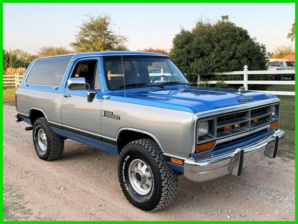 1990 Dodge Ramcharger Dodge Ram Charger LE150 4WD, Loaded Survivor