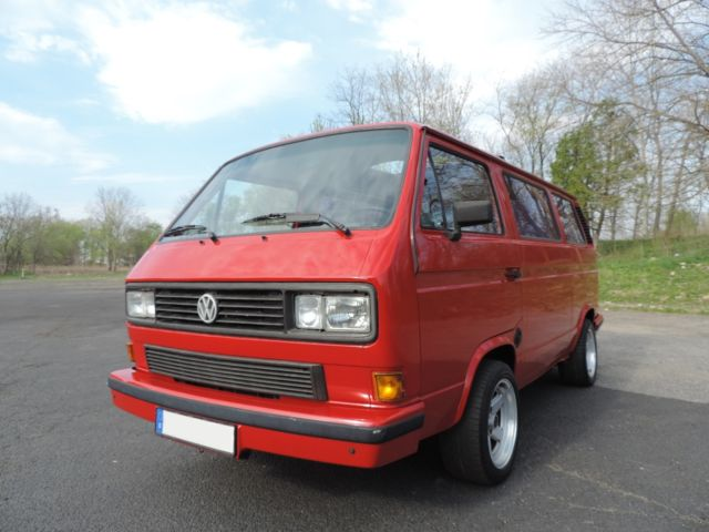 1990 Volkswagen Bus/Vanagon European Power RagTop 5-Speed Sport Camper
