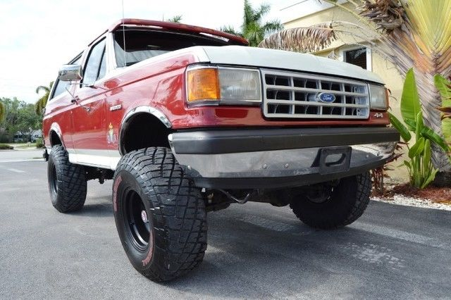 1990 Ford Bronco Custom Lifted