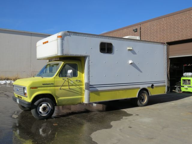 1990 Ford E350 Econoline Box Van