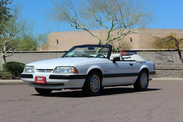 1990 Ford Mustang LX Convertible 2-Door