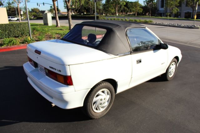1990 White Geo Metro LSi Convertible with Black / Grey interior