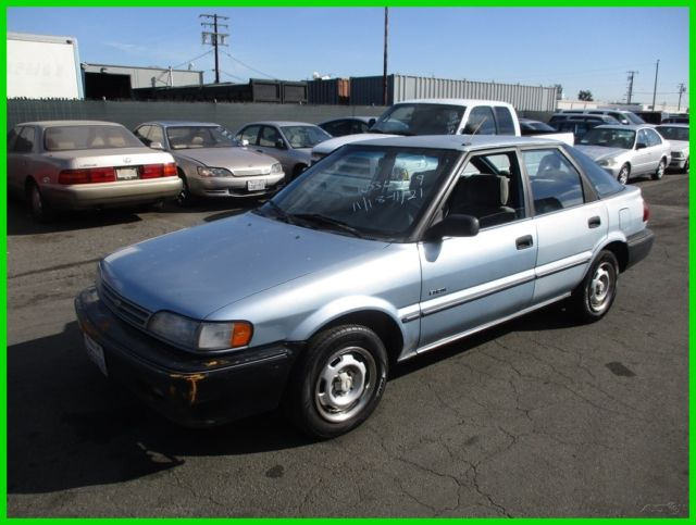 1990 Geo Prizm Base Hatchback 5-Door