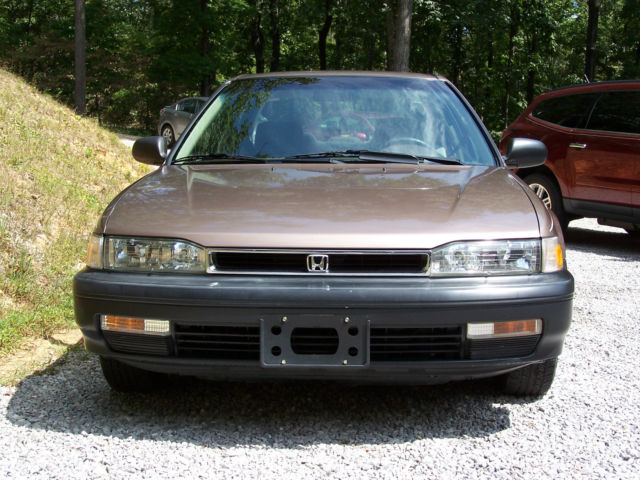 [Image: 1990-honda-accord-dx-1.jpg]