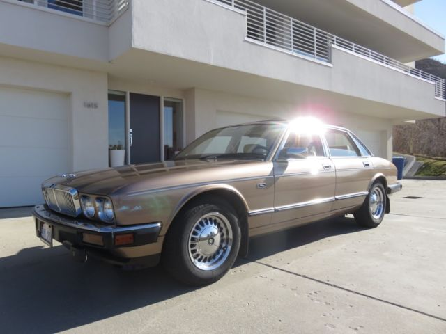 1990 Jaguar XJ Base Sedan 4-Door