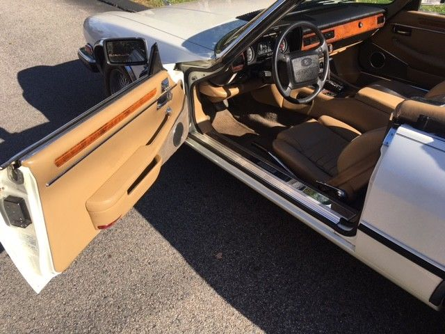1990 White Jaguar XJS Roadster Convertible with Tan interior