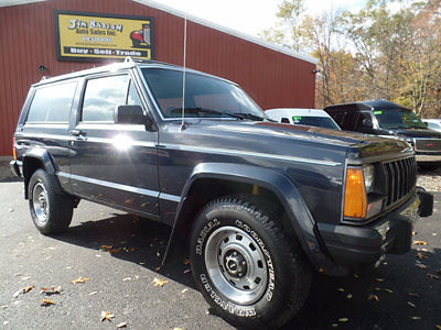 1990 jeep cherokee 2 door 4x4 pioneer 4 0l 4 speed auto low miles clean for sale. Black Bedroom Furniture Sets. Home Design Ideas