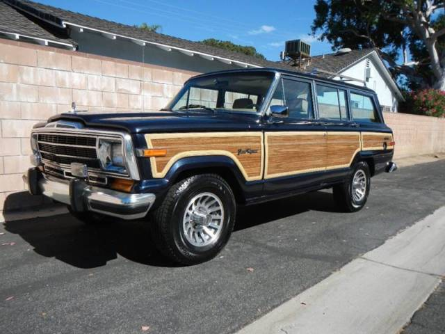 1990 Jeep Wagoneer Base 4dr 4WD SUV