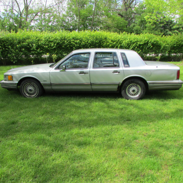 1990 Lincoln Town Car 4 Door 91 000 Miles 5l Engine Automatic For