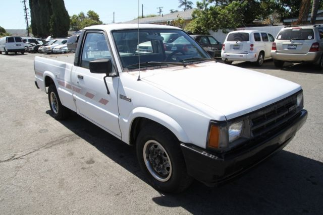 1990 Mazda B2200 Manual 4 Cylinder NO RESERVE For Sale