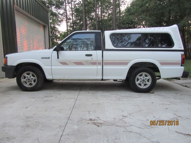 1990 Mazda B2600 Pick Up SE5 5 Speed Manual Clean For