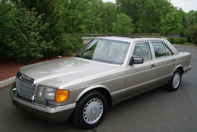 1990 Mercedes-Benz 300-Series SE
