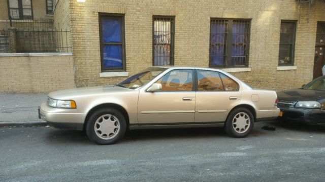 1990 Nissan Maxima  Like New Only 36000 Mile   Only One