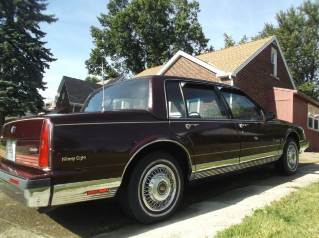 1990 oldsmobile regency brougham ninety eight for sale photos technical specifications. Black Bedroom Furniture Sets. Home Design Ideas