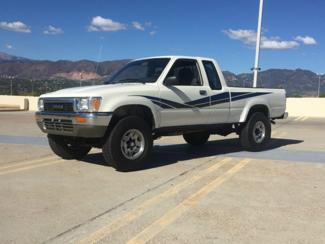 1990 Toyota Tacoma Deluxe