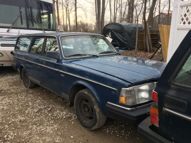 1990 Volvo 240 Wagon 4 Door 2 3l Blue Blue Cloth Interior