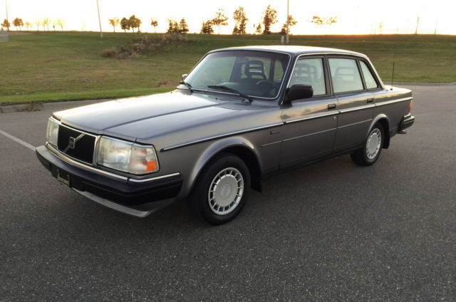 1990 Volvo 240 240DL - 1 Owner - Low Miles - No Rust - Very Nice