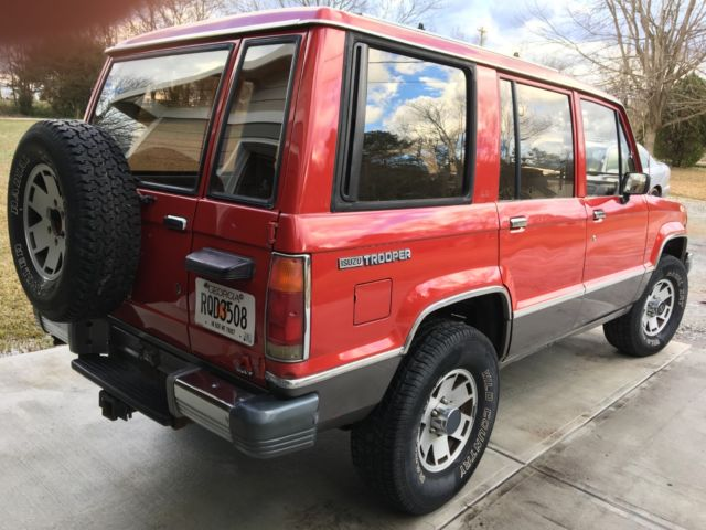 1990 Isuzu Trooper LS