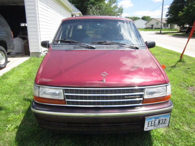 1991 Plymouth Grand Voyager LE