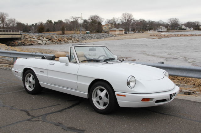 1991 Alfa Romeo Spider 2dr Coupe Sp