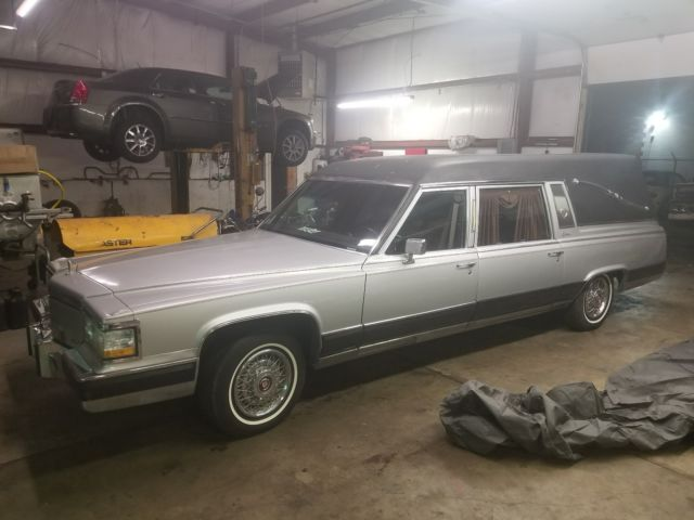 1991 Cadillac Brougham fleetwood brougham